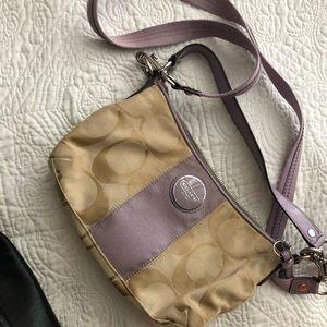 Coach medium size purse with crossbody strap